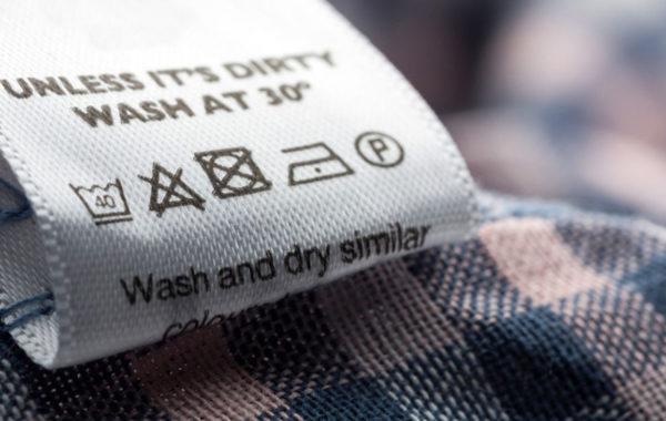 Entender las etiquetas de cuidado de tejidos